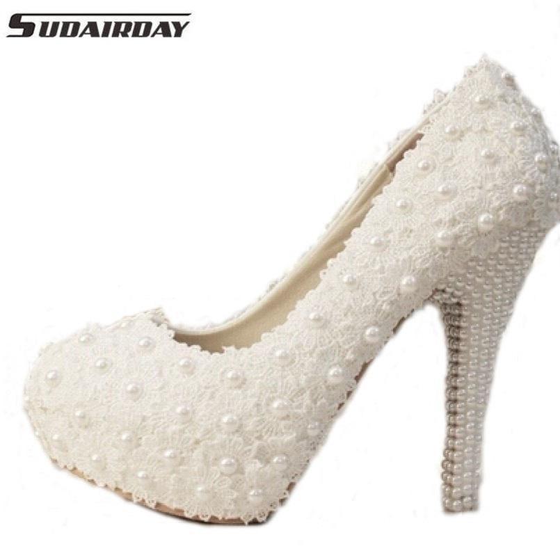 belye-tufli-dlya-nevesty Модные тренды последних сезонов: обувь для невесты