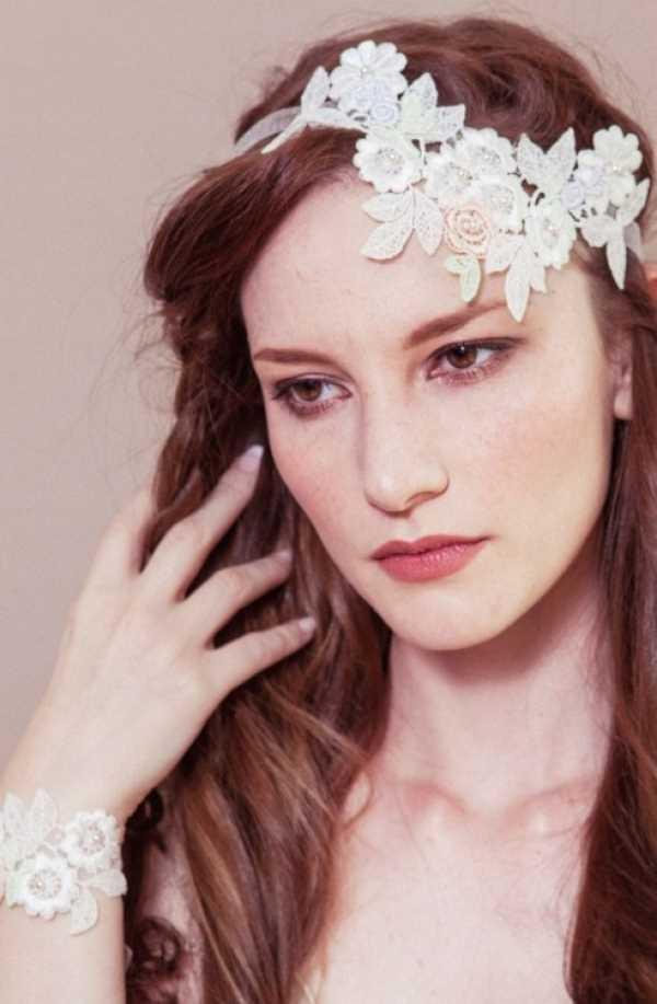 ukrasheniya-Debbie-Carlisle-pochti-diadema Свадебные украшения на голову от Debbie Carlisle