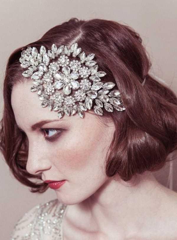 velikolepnyj-aksessuar-iz-30-h-godov Свадебные украшения на голову от Debbie Carlisle