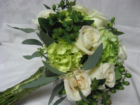 Зеленые букеты для летней свадьбы: 7 лучших идей