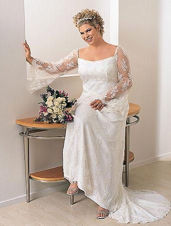 izyskannym-i-spokojnym-bez-bolshih-pyshnyh-yubok-dlya-nevesty-30-plyus Выбор свадебного платья для невест старше 30-ти