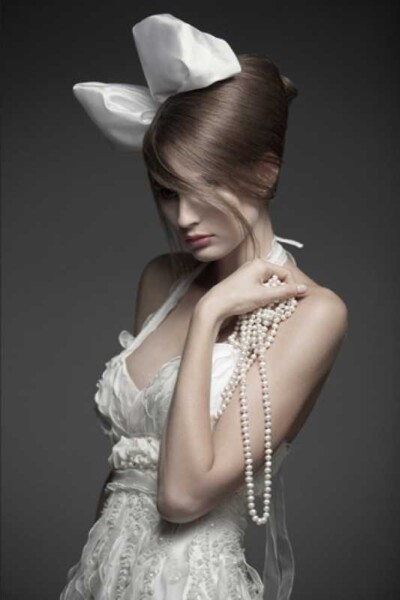 bolshoj-bant-dlya-svadebnoj-pricheski-400x600 Свадебные прически от А до Я+ бонус-300 идей