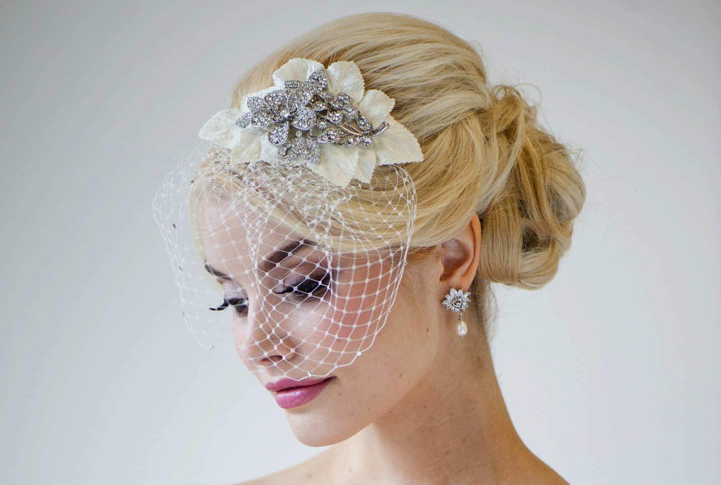 vintazhnaya-svadebnaya-pricheska Свадебные прически от А до Я+ бонус-300 идей
