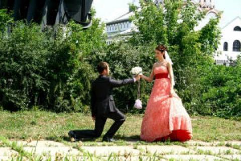 Цвета свадебного платья: приметы и значения