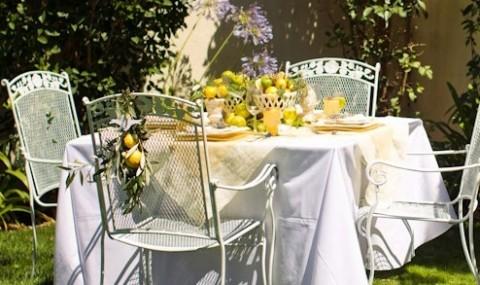 Сервировка свадебного стола в стиле сочного лимона и ароматной лаванды