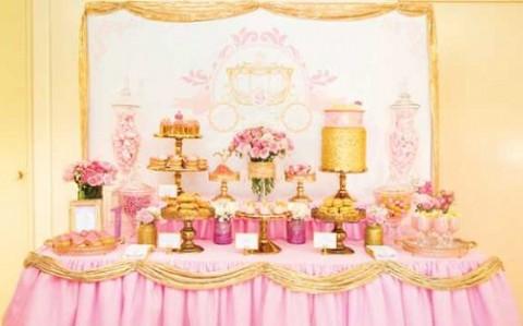 Розовой Кенди Бар для девичника, специально для тех невест, которые считают себя невестами