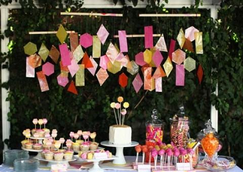 Простой декор на свадьбу из бумаги: делаем сами яркие декорации для торжества