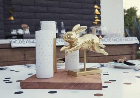 Свадебный декор – золотые фигурки, делаем самостоятельно при помощи аэрозольной краски