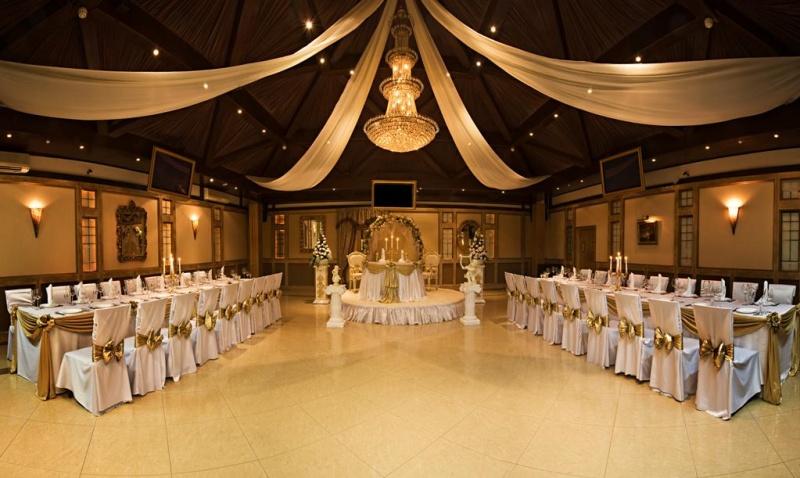 ukrasheniya-zala-v-stile-med Какие есть свадебные аксессуары и как их правильно выбрать