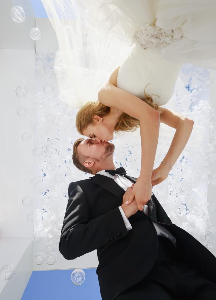 598-CZ3P2489-737x1024 Солнечная свадьба Ильи и Елены с агентством Wedding People