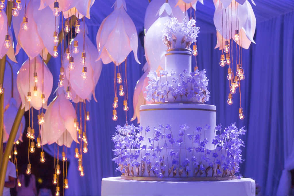 svadebnyj-tort-ot-fotografa-mariny-fadeevoj-i-organizatora-svadeb-1024x683 Правильный выбор: что нужно знать о свадебном торте,- несколько советов от Елены Ширшовой