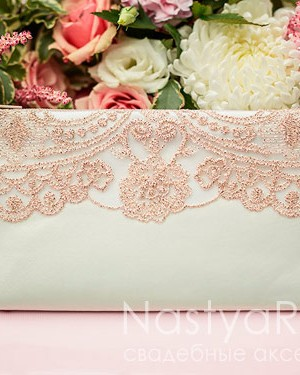 продажа Косметичка для невесты с золотым кружевом