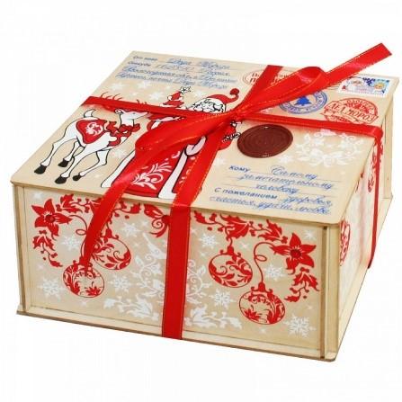 podarki-v-kartonnoj-upakovke-yavlyayutsya-universalnym-prezentom-dlya-pozdravleniya Виды сладких новогодних подарков