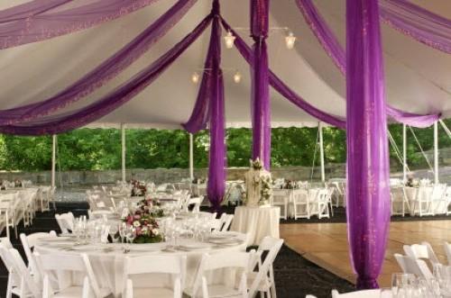 1412555334weddingtente1351370453426 Торжество на природе - прекрасный вариант для летней свадьбы