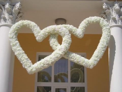 14203256375191f32245766-480x360 Декор свадьбы: секреты и советы по декорированию свадебных торжеств