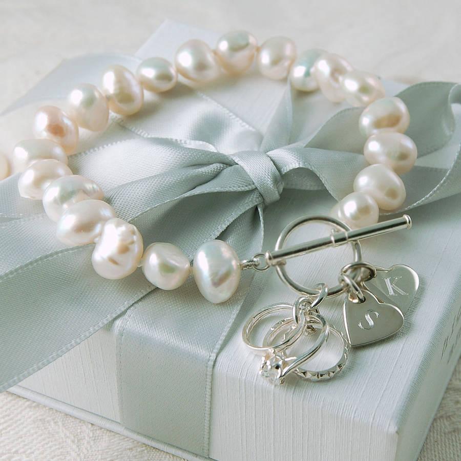 Detali-obraza-nevesty-dlya-serebryanoj-svadby Свадьба и серебро- организуем изысканную свадьбу в серебрянных оттенках.