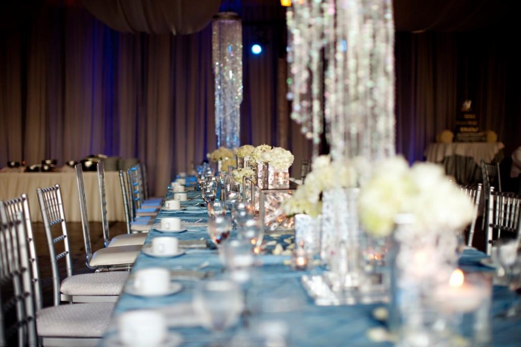 serebryannyj-dekor-dlya-svadby-1024x682 Свадьба и серебро- организуем изысканную свадьбу в серебрянных оттенках.