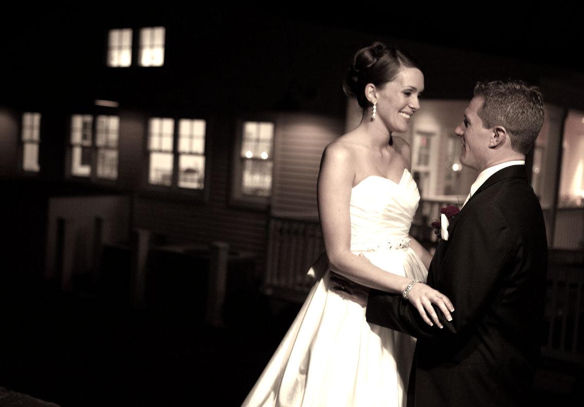 nochnaya-super-fotosessiya-nevesta-i-zhenih Свадебная фотосессия ночью: несколько советов от свадебных фотографов