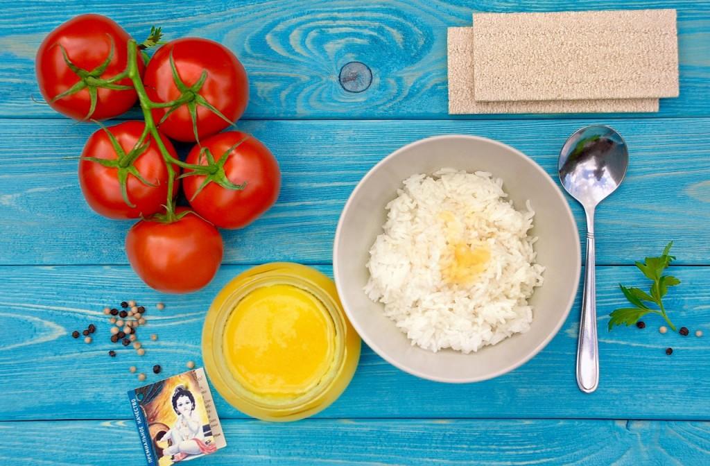 toplenoe-maslo-ghi-na-obed-1024x672 Топленое масло гхи: очень вкусный комплимент для гостей